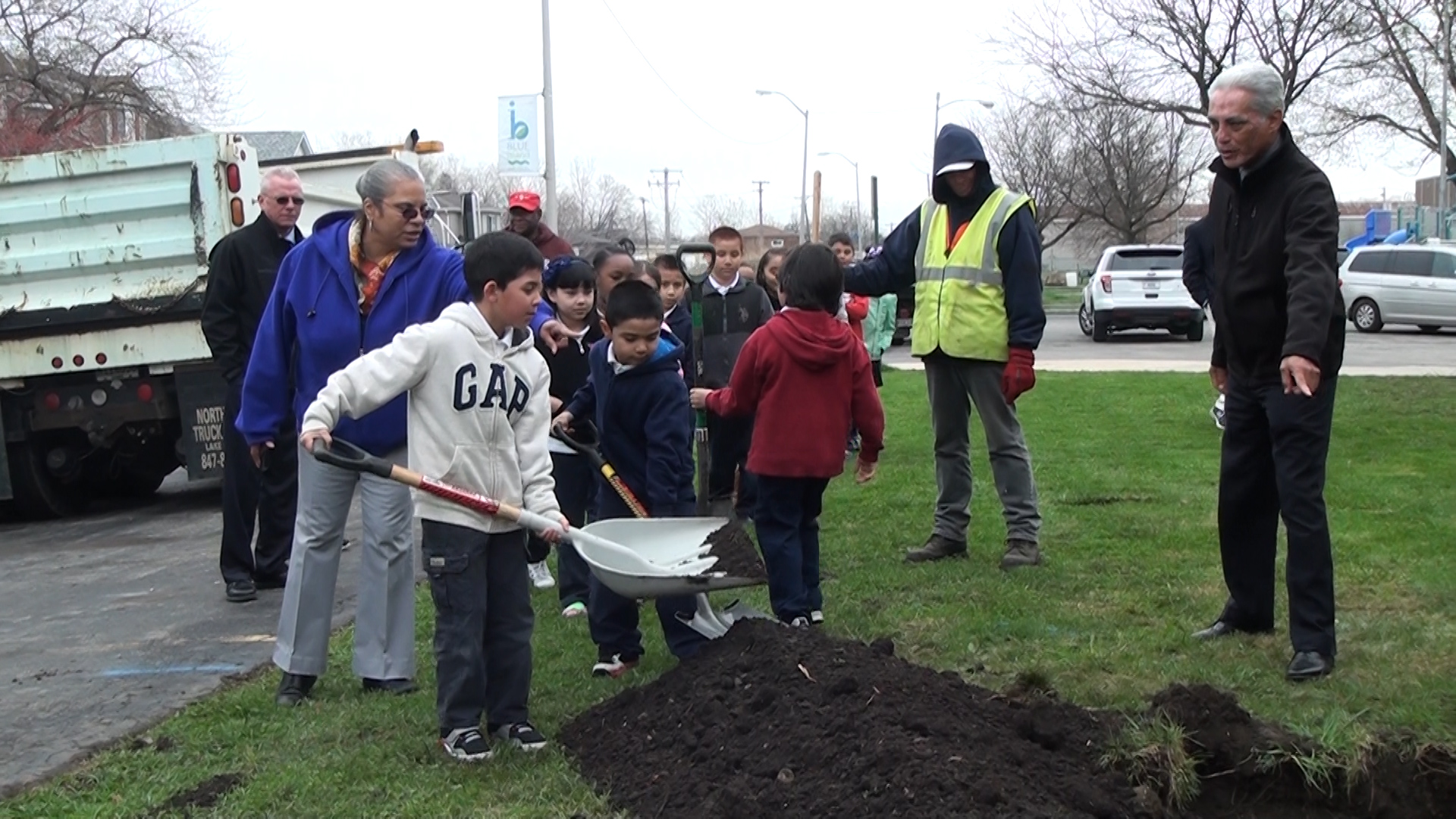 Arbor Day 2015 with Mayor Vargas
